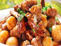 小土豆烧排骨怎么做?家常小土豆烧排骨的做法