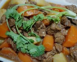 莴笋炖牛腩怎么做好吃 莴笋炖牛腩的做法