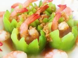 橄榄油丝瓜鲜虾盅的做法