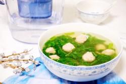 火麻油小白菜肉丸汤的做法