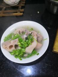 山药莲藕排骨汤怎么做好吃 山药莲藕排骨汤