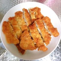 盒饭:蔬菜咖喱+炸猪排