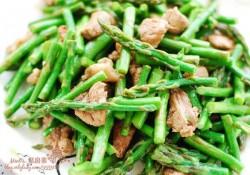 蟹味菇芦笋炒牛肉