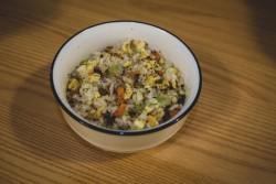 老干妈什锦蛋炒饭的做法步骤,怎么做好吃