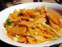 胡萝卜炒金针菇 的做法