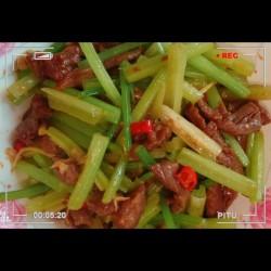 香芹炒牛肉