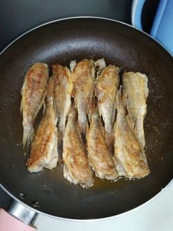 红烧鲳鱼,手残党也可以轻松煎鱼,不会破皮不会粘锅