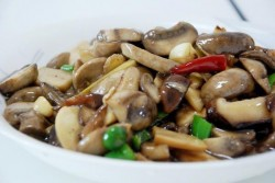 蚝油蘑菇油菜