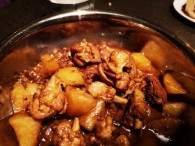 土豆炖鸡块的做法_美食方法