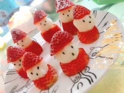 草莓圣诞小雪人怎么做好吃 草莓圣诞小雪人