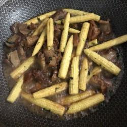 脆骨炒玉米笋