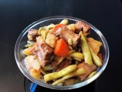 东北菜排骨炖豆角