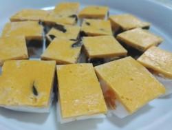三色蛋黄酥的做法