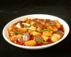 鸭血豆腐烧肉的做法