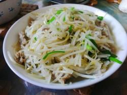 黑胡椒炒豆芽