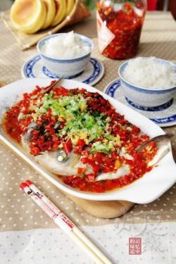 四川剁椒鱼头蔚爱边吃边旅行的做法