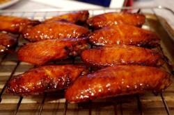 奥尔良口味的蜜汁烤翅
