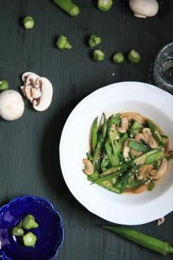 蚝油秋葵滑子菇