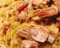 东北酸菜炖排骨怎么做好吃 东北酸菜炖排骨的做法