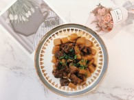 土豆烧牛肉①的做法_美食方法