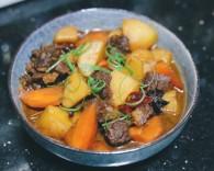 土豆炖牛腩怎么做好吃 土豆炖牛腩的做法