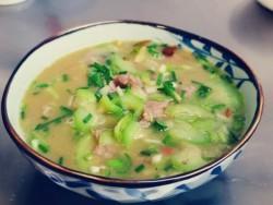 皮蛋丝瓜肉片汤怎么做好吃 皮蛋丝瓜肉片汤的做法大全