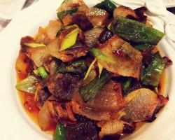 青椒炒腊肉怎么做好吃 青椒炒腊肉的做法