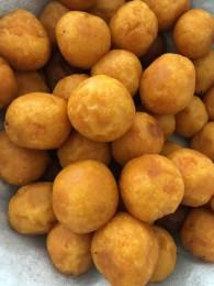 红薯丸子的做法_美食方法
