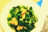 木耳菠菜炒鸡蛋的做法_美食方法