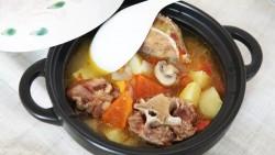 番茄土豆牛尾汤的做法