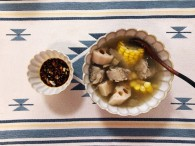 玉米莲藕排骨汤怎么做好吃 玉米莲藕排骨汤