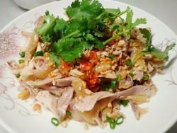 手撕鸡(电饭煲焗鸡之延伸,一鸡两吃)