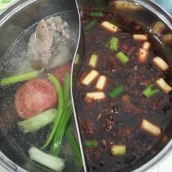 湖南特色腊肉自制火锅(炖锅)