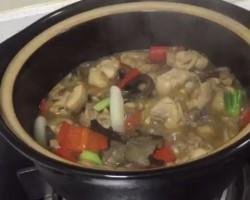 小鸡炖蘑菇—捷赛私房菜
