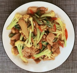 五花肉炒有机菜花