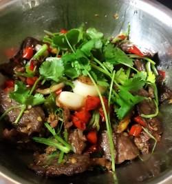 超级美味-香菜牛肉丝舌尖上的外婆香的做法