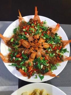 蒜蓉粉丝蒸大虾怎么做好吃 蒜蓉粉丝蒸大虾