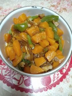 电饭煲懒人菜——排骨焖南瓜