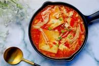 番茄金针菇豆腐汤()的做法_美食方法