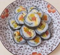 虾仁紫菜包饭怎么做好吃 虾仁紫菜包饭的做法