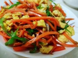 胡萝卜炒鸡蛋的做法_美食方法