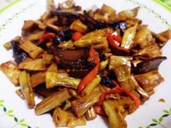 家常菜-笋干炒腊肉的做法