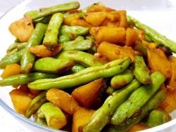 土豆炖豆角—东北家常菜