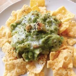 蟹肉牛油果沙拉配柠檬草西班牙凉菜汤