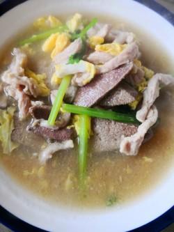 艾草猪肝瘦肉汤