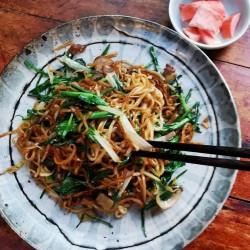 简单家常菜---芹菜炒面筋