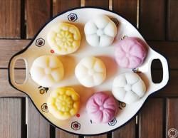 中秋将至,教你如何手工制作冰皮月饼。