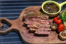 一食半刻 | 黑胡椒牛排的做法