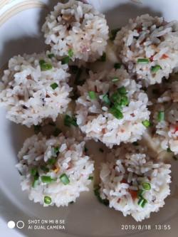 鸭蛋糯米丸子的做法