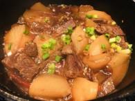 厨房烹饪:美味萝卜炖牛肉做法 有滋阴补阳健脾开胃的功效